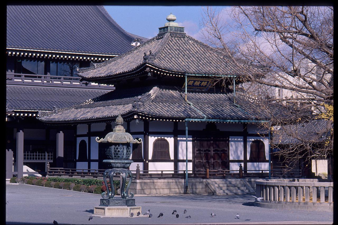 Nishi-Hongan-Ji Temple